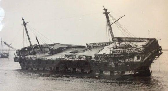 luftwaffe sinks british ship